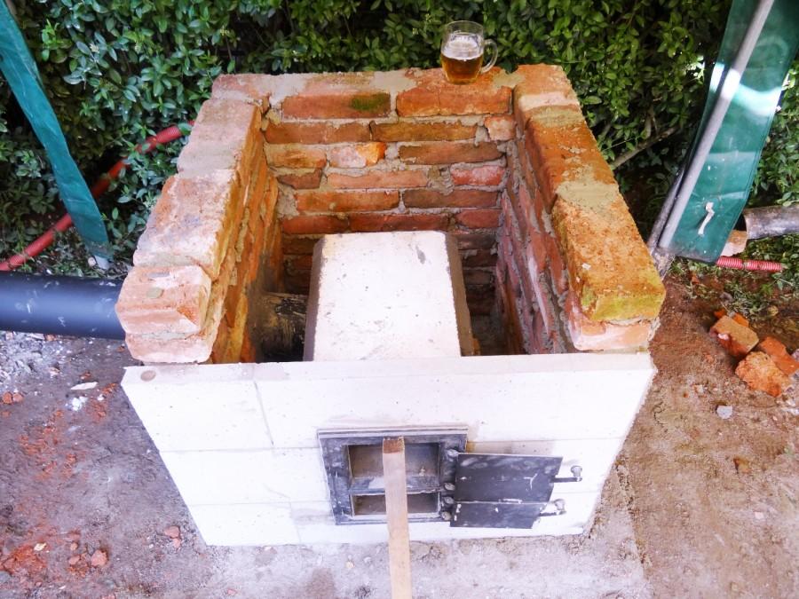 Základy domácí hliněné pece